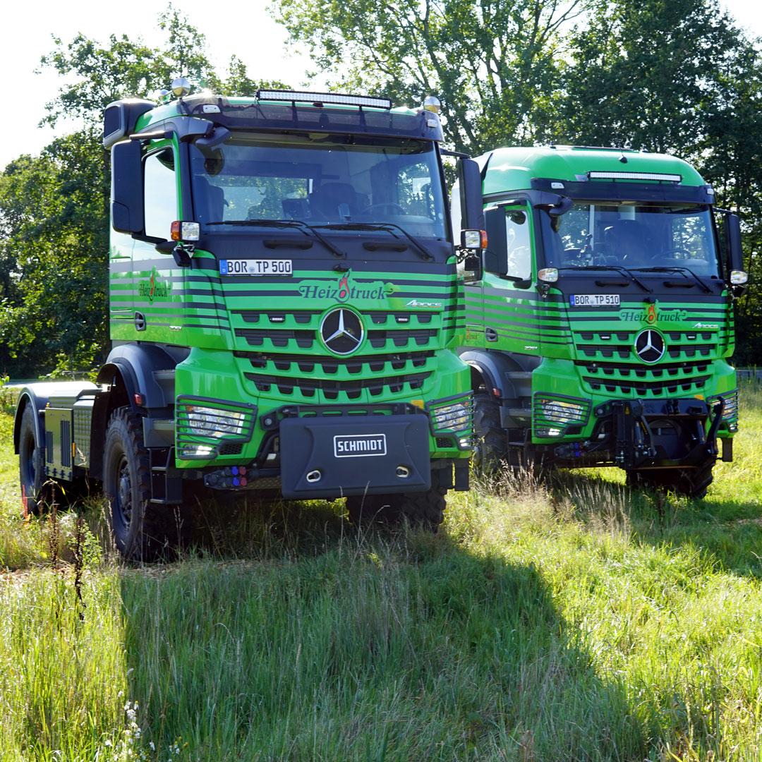 Heizotruck Forst-LKW und Agrar-LKW auf einer Wiese